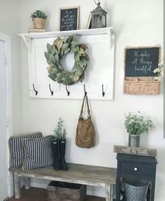 50 Stunning Farmhouse Entryway Decor Ideas November Leave a Comment A mudroom or entryway is generally a hall located between the front entrance of the house and the living area. It's a perfect place to organize storage for footwear Apartment Entryway, Entryway Decor, Entryway Ideas, Entrance Ideas, Rustic Farmhouse Entryway, Modern Farmhouse, Farmhouse Ideas, Farmhouse Style, Flur Design