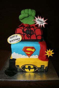 superhero cake 3 (I like the bubble thoughts for words on this one)