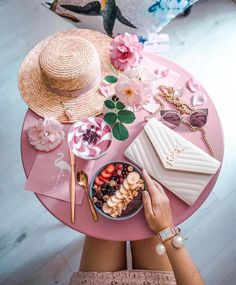 If only breakfast could be this pretty 😍😍 . Are you UP & OUT attacking your goals with enthusiasm? Tag your besties below for some morning motivation 💖👇🏻 ✨ :camera_w Photo Girly, Pretty Little, Pretty In Pink, Everything Pink, Chocolate Coffee, Blogger Tips, Pink Aesthetic, My Favorite Color, Favorite Things