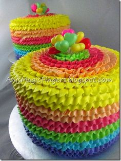 ruffled rainbow cake, tip 104, pipe while slowly move the turntable, don't stop.