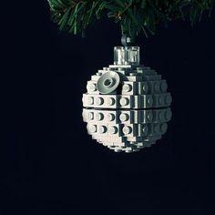 Adornos de Navidad Estrella de la Muerte. #adornosnavidad #adornosnavidadoriginales #navidad #christmas #adornosnavidadgeek #starwars #estrelladelamuerte