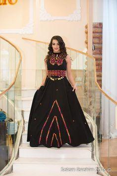 palestinian dress Garba Dress, Navratri Dress, Traditional Fashion, Traditional Dresses, Dandiya Dress, Chaniya Choli Designer, Middle Eastern Clothing, Afghani Clothes, Night Outfits
