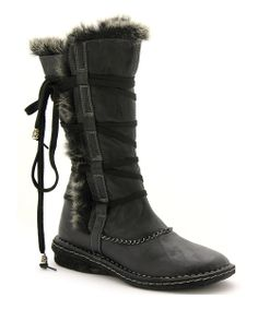 Pull on a comfortable style with this cushy pair sure to please! With a bundled look and a soft fleece lining, the on-trend boot gives functional fashion a kick. 12'' shaft14'' circumferencePull-onMan-made upperFleece lining