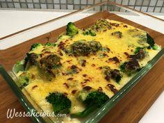 Lekkere brocoli met kaassaus uit de oven, ontzettend lekker en een variant op de bloemkool uit de oven. Uiteraard kun je dit toepassen met meerder groeten,.