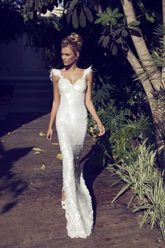 'Created by love collection' of Nurit Hen. A leading designer of wedding dresses and evening dresses. Special designs suitable for every woman.