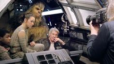 CIA☆こちら映画中央情報局です: Star Wars: 「スター・ウォーズ」完全復活の第7弾「ザ・フォース・アウェイクンズ」が、ヴァニティ・フェア最新号のカバーに登場!!、ついに、あの暗黒の騎士のカイロ・レンが素顔をさらした姿など、注目の新しい写真をリリース!! - 映画諜報部員のレアな映画情報・映画批評のブログです