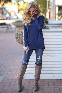 Heart Is In Montana Top - Navy