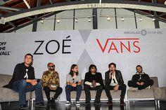Presentan la nueva línea de ropa y tenis Vans en colaboración con la banda mexicana de rock ZOE.   Angular 11-18