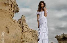 Los vestidos de Charo Ruiz Ibiza también destacan por los detalles de los encajes