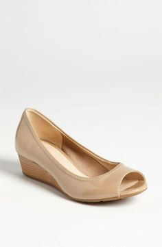Cole Haan Air Tali Wedge available at Hmm they need a little sparkle. But they look super comfy! Peep Toe Wedges, Peep Toe Pumps, Women's Pumps, Stilettos, Nike Outfits, Cute Shoes, Me Too Shoes, Basson, Neutral Wedges