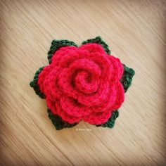 Crochet Rose designed and handmade by © Elvira Jane #crochet #crochetrose #redrose #rose #yarnrose #flower #crochetflower #rosegarland #wip #crochetwip #handmade #handcrafted #madewithlove #crochetdesigner #ukdesigner #independentdesigner #elvirajanecrochetdesigner