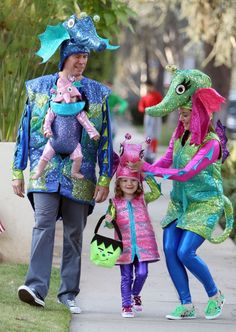 Award For Cutest Halloween Costume Goes To Alyson Hannigan And Her Seahorse Family