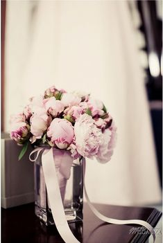 Vrai Mariage {Delphine & Nicolas} - La Mariée en Colère Peony Bouquet Wedding, Bridal Bouquet Pink, Peonies Bouquet, Wedding Flowers, Boho Wedding, Dream Wedding, Wedding Day, Wedding Photos, Deco Floral