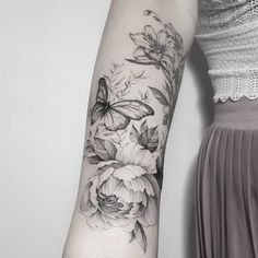 50 Arm Flowers Tattoo Designs for Women 2019 Page 19 of 50 Tattoo - € . - 50 arm flowers tattoo designs for women 2019 page 19 of 50 -… – Famous Last Words - Forearm Flower Tattoo, Flower Tattoo Shoulder, Forearm Tattoos, Sleeve Tattoos, Butterfly Sleeve Tattoo, Vintage Flower Tattoo, Flower Tattoo Designs, Tattoo Designs For Women, Tattoos For Women
