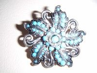 "New Listing Started vintage silvertone floral brooch with lots of Turquoise stones 1.5""across £1.90"