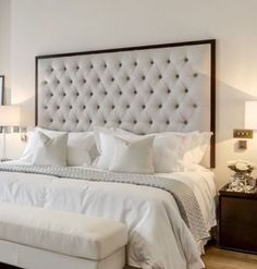 Also wish I knew the color of the wall :) Skyline Furniture Tufted Arch Upholstered Headboard Cama Box Casal Queen, Cal King Headboard, Cream Headboard, Studded Headboard, Full Headboard, Headboard Ideas, Cama Queen Size, Guest Bedrooms, Guest Room
