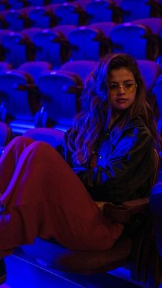 Find images and videos about selena gomez on We Heart It - the app to get lost in what you love. Selena Gomez Fotos, Selena Gomez Style, Cinderella Story, Selena Gomez Wallpaper, Foto Casual, Alex Russo, Marie Gomez, Mode Inspiration, American Singers