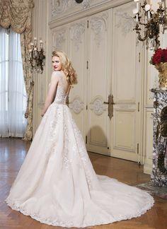 896e6c0139e Δείτε τη νέα Collection νυφικών, by Apostolos Giastas στο Gamos Portal!  Λευκά Νυφικά Φορέματα