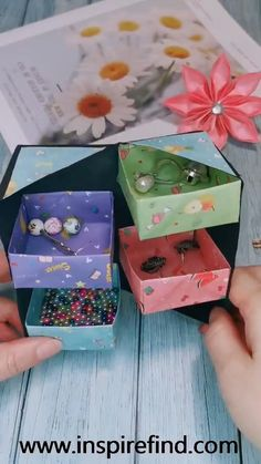 Tips for paper jewelry storage box!😀 Tips for paper jewelry storage box!😀 ,box This is a very useful origamin project. Diy Crafts Hacks, Diy Crafts For Gifts, Diy Arts And Crafts, Creative Crafts, Fun Crafts, Diy Projects, Doll Crafts, Kawaii Crafts, Handmade Crafts