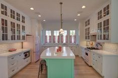 Dream Kitchen with Retro Mint and Pink