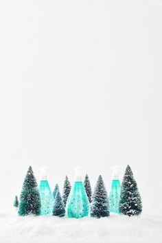 this seasonal + frosty scent of snow-dusted evergreens will transport you to a winter wonderland with just one whiff. magic or holiday spirit? you tell us.