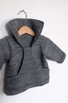 Neuen Ravelry: Pull Gaspard pattern by Christine Rouvillé., Ravelry: Pull Gaspard pattern by Christine Rouvillé. Knitting For Kids, Baby Knitting Patterns, Baby Patterns, Crochet Patterns, Baby Sweater Patterns, Cardigan Pattern, Free Knitting, Knit Or Crochet, Crochet Baby