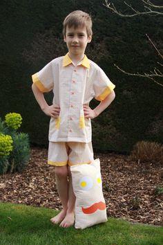 Pyjama met knuffel in stof van Soft Cactus -  Opleiding Kinderkledij @Syntra West - Opdracht Pyjama ontwerp - Docent Ann Tijtgat - Ontwerp van Inge Callewaert