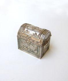 Vintage Godinger silver plated pirate treasure chest by evaelena, $38.00