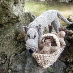 Figurines louve et bébés en laine tricotés main