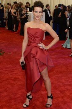Kate Beckinsale en la alfombra roja de la gala MET 2013 en Nueva York