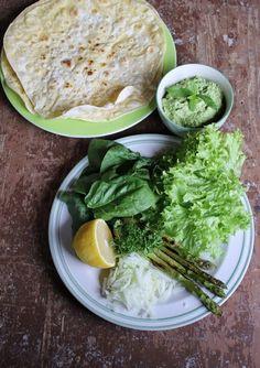 Gourmandises végétariennes: {Geschmackswandel} Erbsenhummus im Wrap mit ganz viel Grünzeug