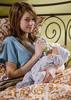 The Secret Life of the American Teenager - Season 1 - And Unto Us, A Child is Born - Shailene Woodley as Amy