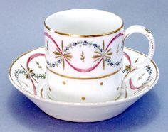 TASSE et sa SOUCOUPE en porcelaine PARIS - Ep. 18e siècle - LOUIS XVI