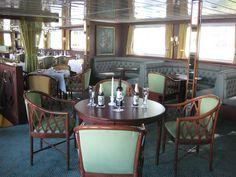 Bilder sagen mehr als Worte: Liebenswürdige Gastlichkeit wird an Bord von MS Königstein groß geschrieben