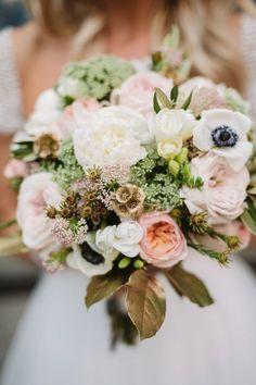 wedding bouquet idea; photo: Two Birds Photography