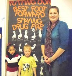 say no to drugs door decoration - Google Search Class Projects, School Projects, School Ideas, Drug Free Posters, Drug Free Week, Red Ribbon Week, Staff Gifts, School Doors, Essay Contests