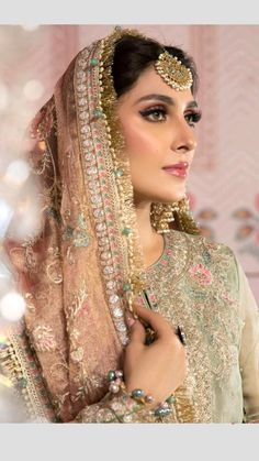 Pakistani Dresses Casual, Pakistani Wedding Dresses, Wedding Makeup Looks, Bridal Hair And Makeup, Pakistani Wedding Hairstyles, Beautiful Women Videos, Beauty P, Ayeza Khan, Groom Looks