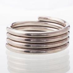 Kaija Aarikka, sterling silver bangle bracelet, 1987. #Finland | Bukowskis Market Bangle Bracelets, Bangles, Brutalist, Finland, Scandinavian, Vintage Jewelry, Silver Rings, Minimalist, Jewels