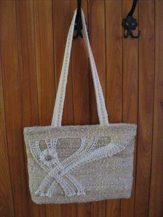 ručně  utkané z ručně předené vlny,  paličkovaná krajka Bobbin Lace, Burlap, Reusable Tote Bags, Hobbit, Lace Purse, Fabric Purses, Embroidery, Bag, Clutch Bags
