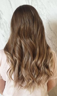 how to get the look by Lavinia Ivanov - GETT'S Color Bar Salon Plaza România Drumul Taberei Militari Balayage-ul perfect este acela care te face pe tine sa arati perfect. Expertii Gett's nu te vor lasa sa pleci din salon pana ce nu vei zambi larg atunci cand te uiti in oglinda. #gettssalons #balayage #blondhair #fudgehair #loreal Fudge Hair, Summer Hairstyles, Loreal, Get The Look, Romania, Blonde Hair, Salons, How To Get, Bar