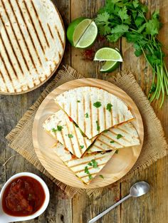 Vegan quesadillas with chipotle and white beans are a quick and easy dish to prepare. Packed with veggies and served with salsa, these vegan quesadillas are great for lunch, dinner or a snack anytime! Mexican Food Recipes, Whole Food Recipes, Vegan Recipes, Snack Recipes, Cooking Recipes, Quesadillas, Tostadas, Chipotle, Healthy Foods To Eat