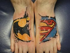 What does batman tattoo mean? We have batman tattoo ideas, designs, symbolism and we explain the meaning behind the tattoo. Batman Tattoo, Superman Tattoos, Comic Tattoo, Marvel Tattoos, Neue Tattoos, Body Art Tattoos, Tatoos, Tattoos Skull, Batman Vs Superman