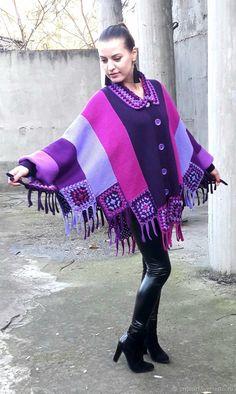 "Poncho de tricot e crochet ""Kingdom of Amethyst"" Knitting Designs, Knitting Patterns, Crochet Patterns, Knitted Baby Clothes, Crochet Clothes, Crochet Shawl, Knit Crochet, Warm Winter Hats, Bias Tape"
