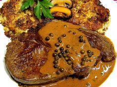 Rindersteaks in Pfefferrahmsauce Beef steaks in pepper cream sauce (recipe with picture) Skirt Steak Recipes, Flank Steak Recipes, Beef Recipes, Healthy Recipes, Beef Tips, Creamy Pepper Sauce Recipe, Cream Sauce Recipes, Flank Steak Tacos, Rinder Steak