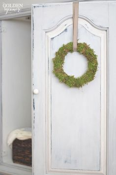 Moss wreath and blue