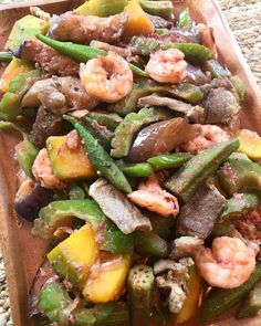 Pinakbet is a Filipino dish made from mixed vegetables in shrimp sauce also known as Pakbet. This Pinakbet recipe is a popular dish usually served at Filipino gathering where stir-fried vegetables … Filipino Vegetable Recipes, Filipino Recipes, Asian Recipes, Ethnic Recipes, Asian Vegetables, Fried Vegetables, Veggies, Pinakbet Recipe, Filipino Dishes