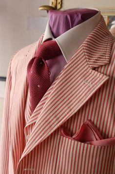 A SB, peak lapel vested seersucker suit of glorious red by Marc Guyot!