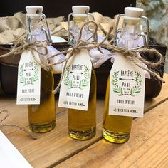 Wedding gifts with olive oil mignon nets Etsy Informations About Mignonnettes d'huile d'olives, cade Creative Wedding Favors, Wedding Favors For Guests, Wedding Reception Decorations, Olive Oil Favors, Olive Oil Jar, Limoncello, Olives, Staff Appreciation Gifts, Olive Wedding