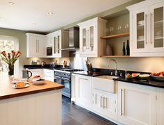 Shaker-kitchen-from-Harvey-Jones