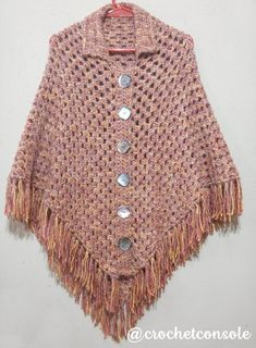 Poncho granny a crochet partiendo de un chal - Crochet con Sole Pancho Au Crochet, Crochet Cardigan, Shawls And Wraps, Crochet Clothes, Beading Patterns, Creations, Plus Size, Knitting, Red